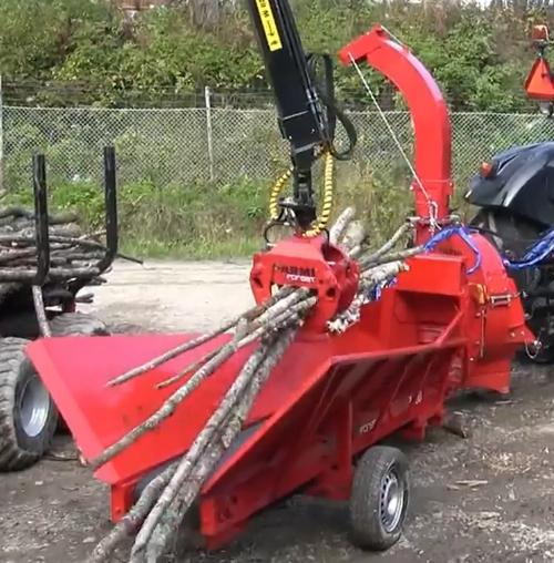 Chipper biomasse CH260 avec convoyeur d'alimentation BC3000